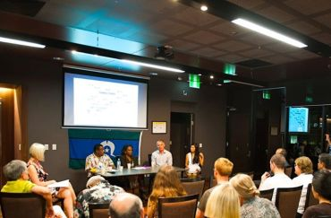 Panelists discuss urgency of climate action at a public forum in Brisbane, 22 October 2013